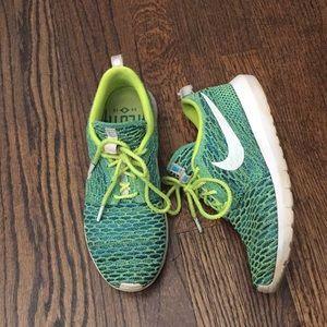 Nike green weave 8.5 sneakers